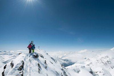 Super Ski in Tirol - Urlaub im Hotel Happy Stubai Hostel Neustift Österreich