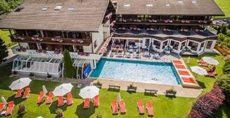 Happy Stubai Hotel Neustift Tirol Stubaier Gletscher Österreich Hostel