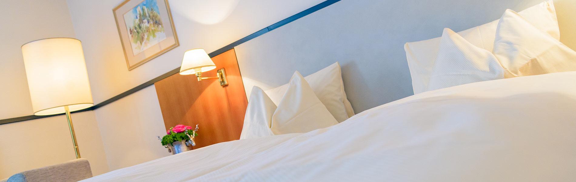 Happy Stubai Hotel Neustift Tirol Stubaier Gletscher Österreich Hostel Zimmer Suiten