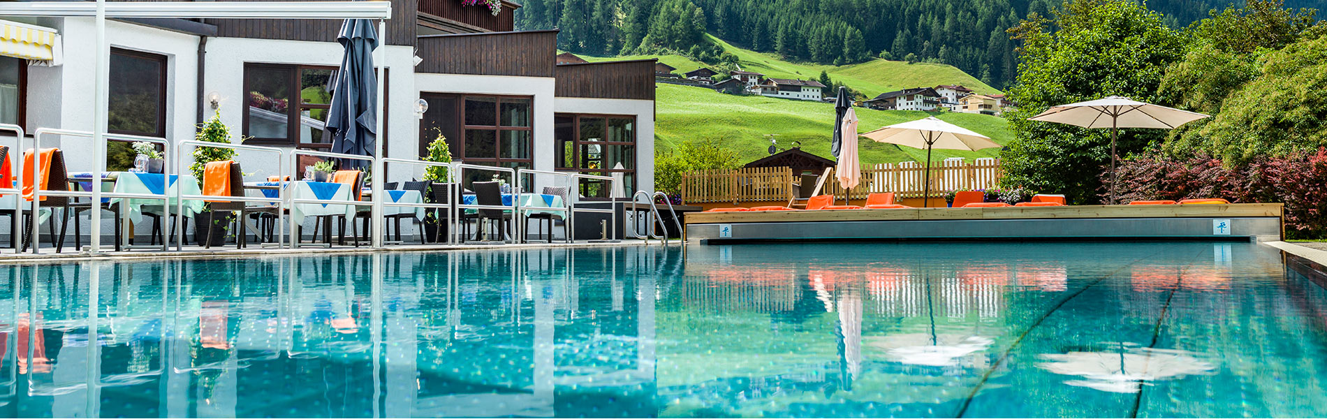 Hotel Happy Stubai Neustift Tirol Austria Pool
