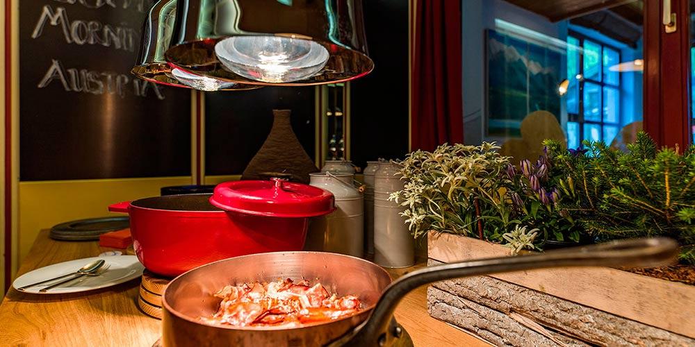 Brunch im Hotel Happy Stubai Neustift Tirol Austria
