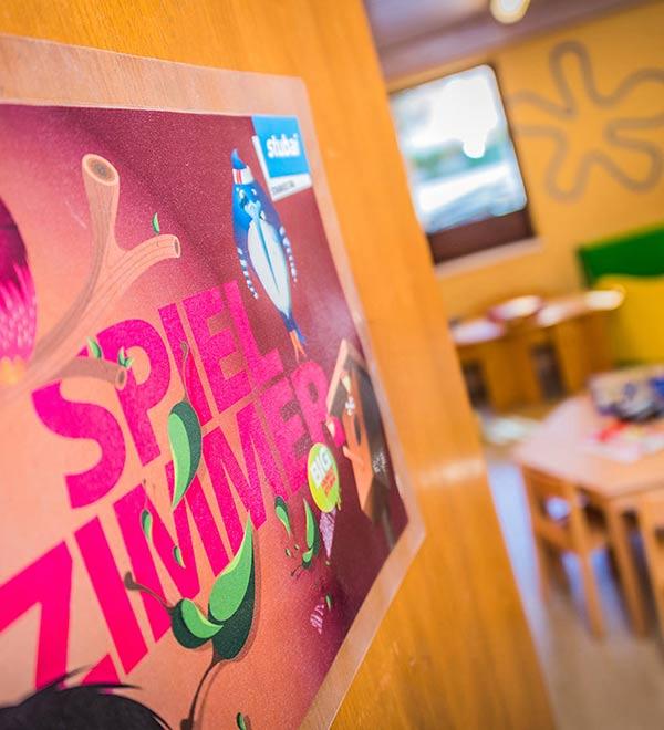 Familienurlaub im Winter - Happy Stubai Hotel Neustift Tirol Hostel