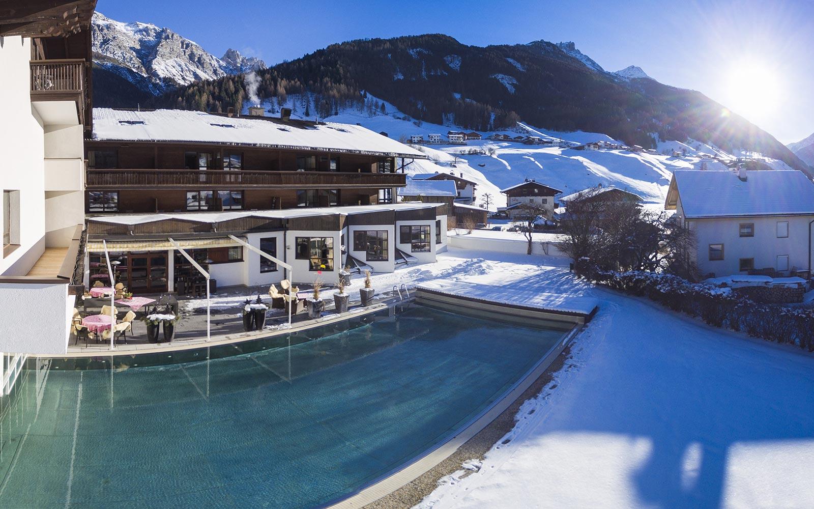 Skiurlaub in Tirol - Urlaub im Hotel Happy Stubai Hostel Neustift Österreich