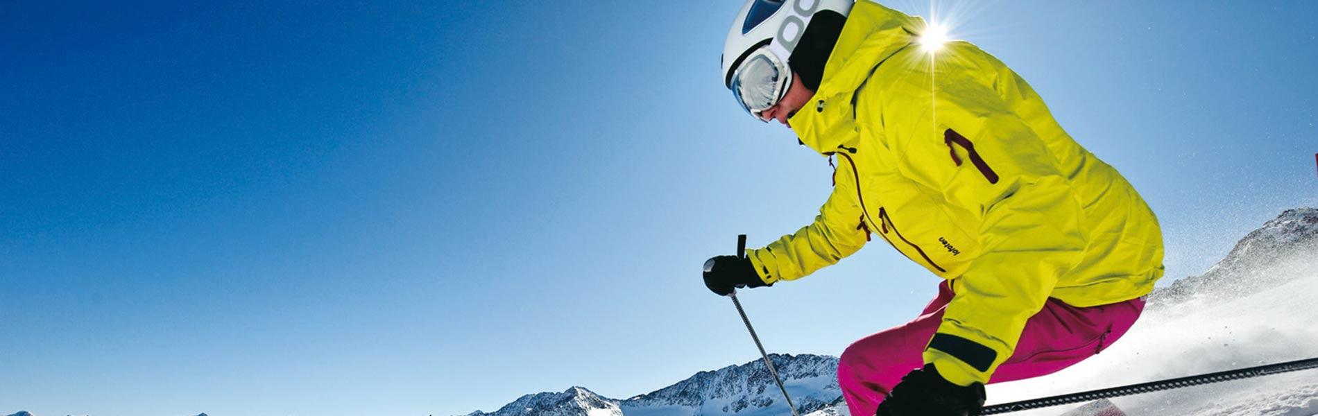 Skiurlaub in Tirol im Hotel Happy Stubai Hostel Neustift Stubaital Österreich