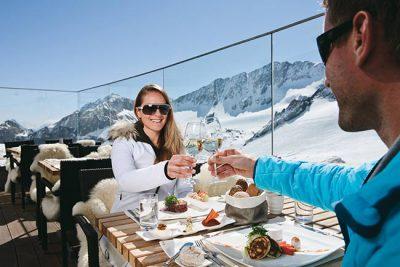 Glacier skiing in Tyrol - 4-star hotel Happy Stubai in Neustift in Tyrol