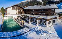 Weihnachten in Tirol im Hotel Happy Stubai Hostel Neustift Österreich