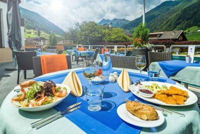 Sommerpass 7 Autumn-Special-Happy-Stubai-Hotel-Hostel-Neustift-Stubai-Valley-Terrace