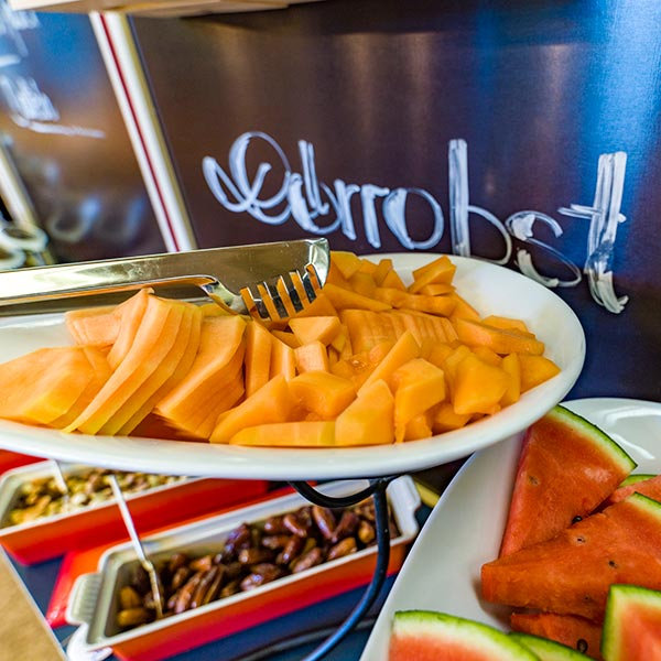 Happy Stubai Hotel Hostel Neustift Stubai valley breakfast fruits