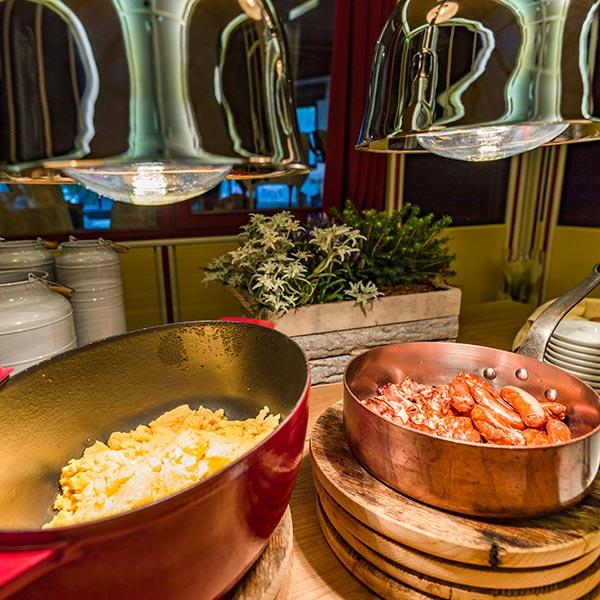 Happy Stubai Hotel Hostel Neustift_Stubai valley breakfast scrambled eggs