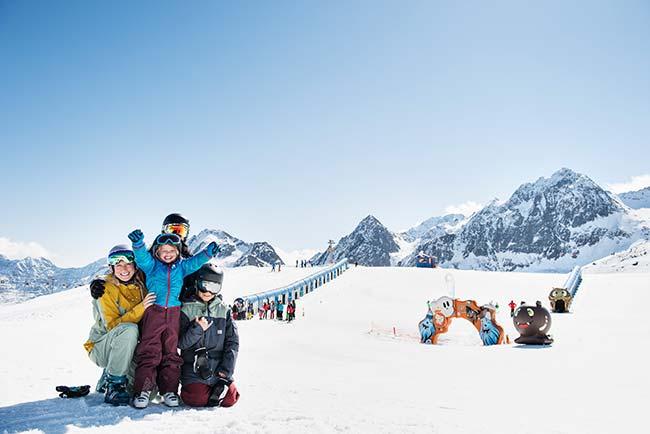 Familienurlaub im Winter im 4-Sterne-Hotel Happy Stubai