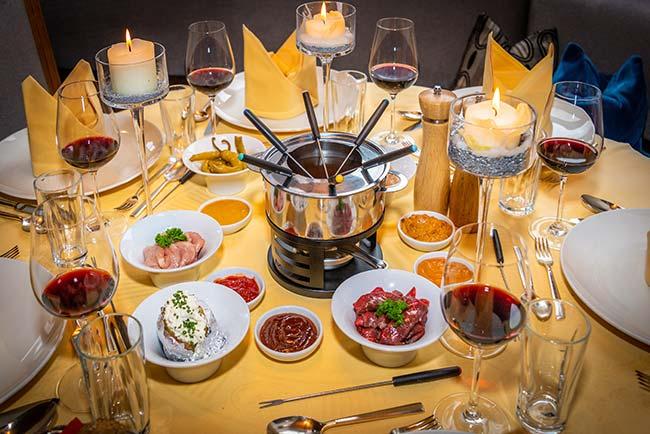 Happy fondue in the Stubai Valley - Hotel Happy Stubai