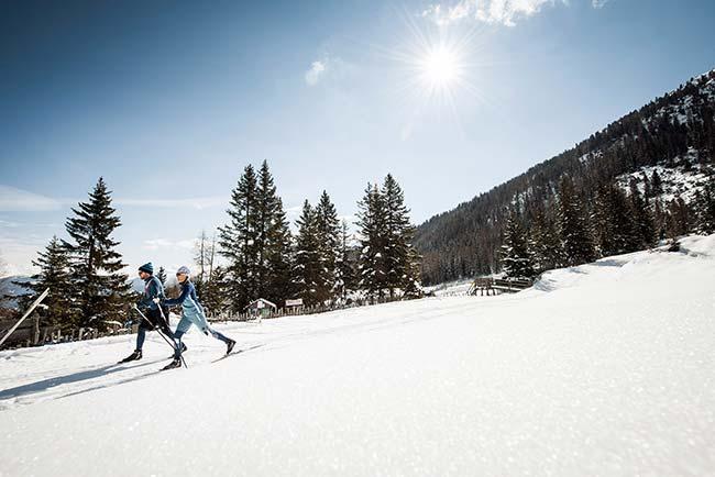 Winterurlaub im 4-Sterne-Hotel Happy Stubai Langlauf